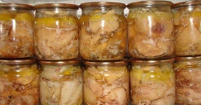 Тушонка з курки - рецепт приготування