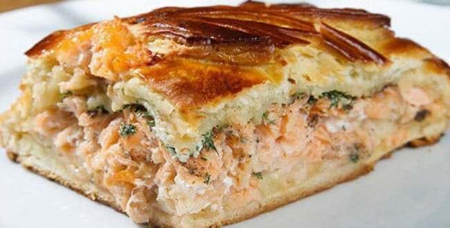 Пиріг з рибних консервів