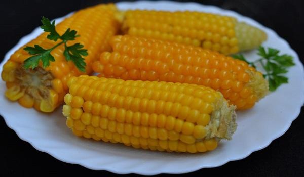 Як швидко зварити кукурудзу