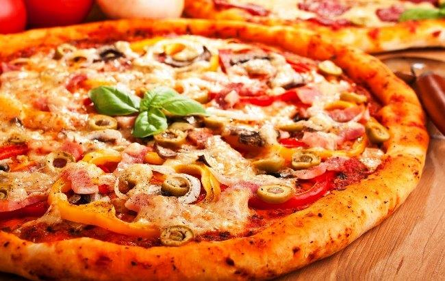 Як приготувати смачну домашню піцу