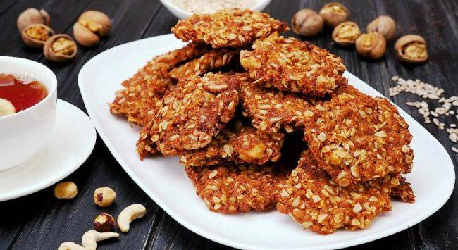Вівсяне печиво з горіхами — Рецепт приготування